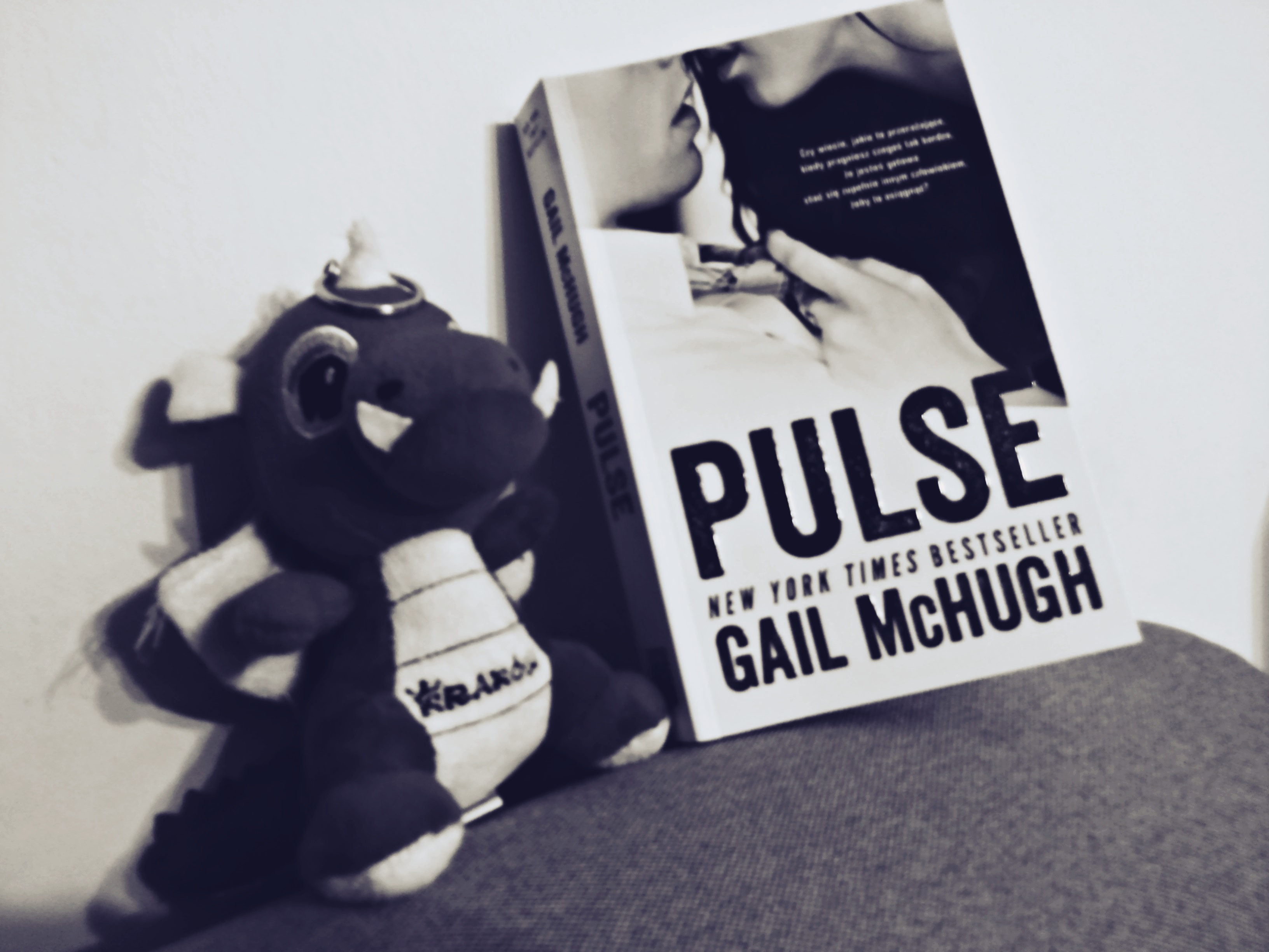 Pulse Gail McHugh Okladka Ksiazki