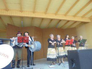Zespół Folklorystyczny na Naleśnikowej Bibie