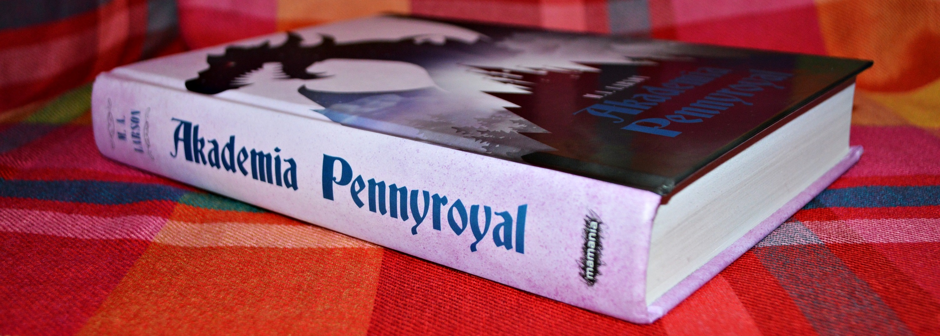 Akademia Pennyroyal M A Larson Recenzja Zazyjkultury